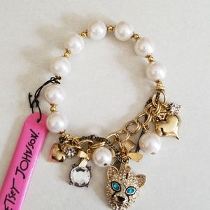 Betsey Johnson bracelet with pearls